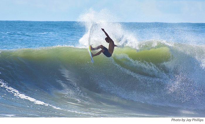 09.11.2018-SurfersTakeAdvantageOfSurfBeforeFlorenceApproachesjpg-2