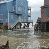 Coastal_flooding_at_Outer_Banks_North_Carolina_on_October_5_2015-e1565368803234